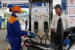 Ảnh của Giá xăng dầu giảm nhẹ sau nhiều lần tăng mạnh