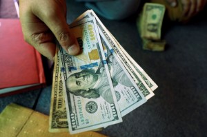 Picture of Dollar Up but Ends Week Near One-Month Low Over U.S Data, Fed Decision