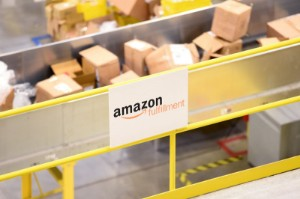 Ảnh của Nasdaq tương lai giảm 150 điểm; Amazon,Pinterest gây thất vọng