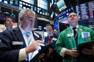 Picture of S&P 500 Closes Lower as Oil Majors Dent Energy; Amazon Slumps