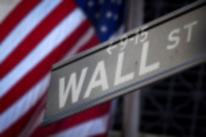 Picture of Wall Street falls with Amazon; S&P 500 posts sixth straight month of gains
