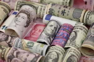 Picture of Dollar edges higher with focus on Fed for taper clues