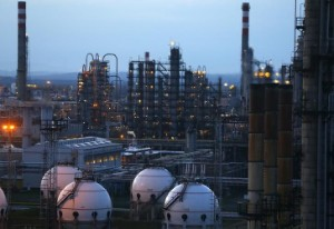 Picture of Oil Cruises to 4th Weekly Gain Despite Risk-Off Friday