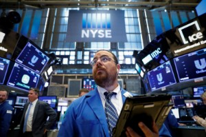 Picture of S&P 500 Sinks as Materials, Tech Weigh