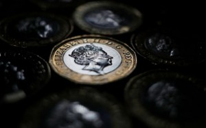 Picture of Column: Pound hesitates in face of early BoE hike