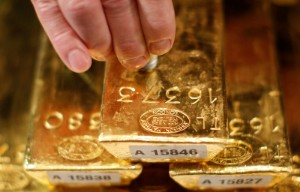 Picture of Gold Up, but Set for Weekly Fall as Fed Preps to Begin Tapering