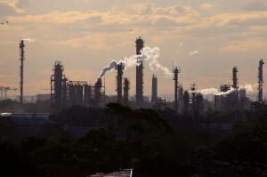 Picture of Australia's treasurer flags costs of not having net-zero emissions target