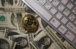 Ảnh của Cathie Wood đầu tư vào Twitter vì công ty cho phép người dùng gửi và nhận Bitcoin