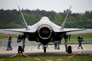 Picture of Lockheed to deliver fewer F-35 jets than expected to U.S. in 2022