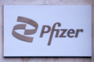 Picture of COVID-19 pill developers aim to top Merck, Pfizer efforts