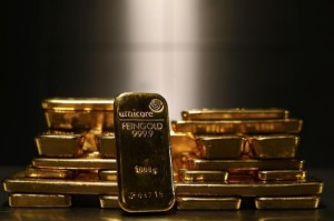 Picture of Gold Back in Mid-$1,700 Trenches, Albeit With Weekly Gain